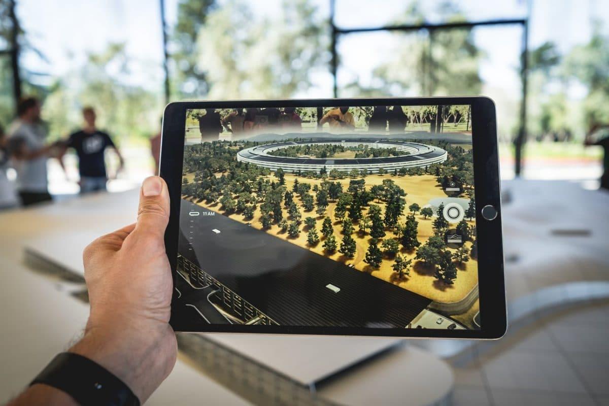 Lo shopping del futuro è già qui: esempi di realtà aumentata
